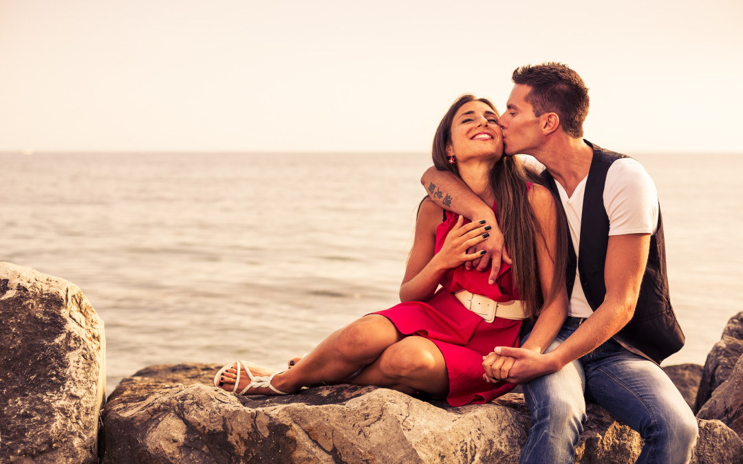 5 Ways to Keep Your Man Hooked – Through Your Words