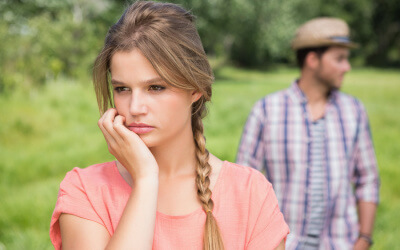 4 Reasons Why You Attract Emotionally Unavailable Men